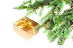 arbre de cadeau de Noël dessous Photographie stock
