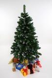 arbre de cadeaux de Noël Photographie stock
