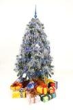 arbre de cadeaux de Noël Photographie stock libre de droits