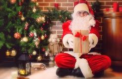 arbre de Claus Santa de Noël Images libres de droits