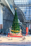 Arbre de Noël à la station de Kyoto Photos libres de droits