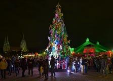 Arbre de Noël au festival d'hiver de Tollwood à Munich, Allemagne Image libre de droits