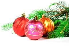 Arbre de Noël avec des jouets Photographie stock libre de droits