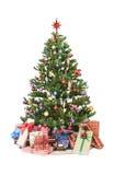 Arbre de Noël avec des présents photographie stock libre de droits
