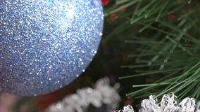 Arbre de Noël avec la décoration banque de vidéos
