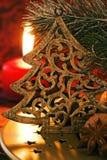 Arbre de Noël avec la lueur de chandelle Photos libres de droits