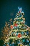 Arbre de Noël avec les billes rouges Images libres de droits