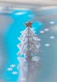 Arbre de Noël blanc décoratif photographie stock