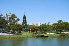 Arbre de Noël chez Ibirapuera dans la ville de Sao Paulo Photographie stock