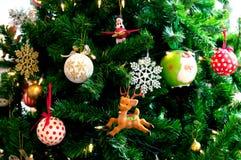 Arbre de Noël décoré. Image libre de droits