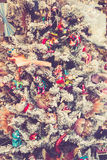 Arbre de Noël décoré des jouets Image stock