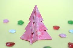 Arbre de Noël d'origami, pliage de papier photos libres de droits