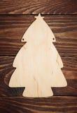Arbre de Noël de placage sur un fond en bois Photo stock