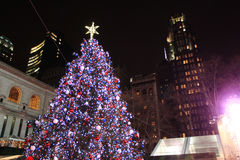 Arbre de Noël en Bryant Park New York Photo libre de droits