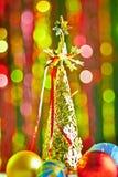 Arbre de Noël et boules de Noël Photo stock