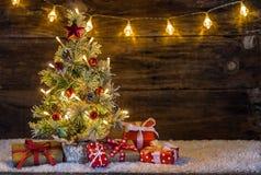 Arbre de Noël et cadres de cadeau Photographie stock libre de droits