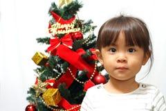 Arbre de Noël et fille japonaise Photo libre de droits