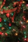 Arbre de Noël gaiement décoré pour les vacances prochaines, George Eastman House Museum, Rochester, New York, 2017 Photo stock