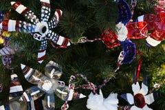Arbre de Noël patriotique à Fort Myers, la Floride, Etats-Unis Photo libre de droits