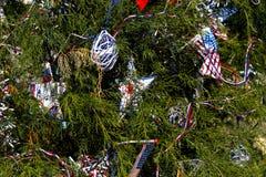 Arbre de Noël patriotique à Fort Myers, la Floride, Etats-Unis Photos libres de droits