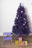Arbre de Noël pourpre Image libre de droits