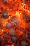 Arbre de Noël rose et orange Photographie stock libre de droits