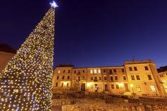 Arbre de Noël sur Fara Square à Lublin Photographie stock libre de droits