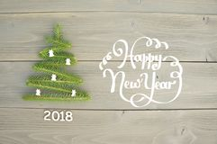 Arbre de Noël sur le fond en bois An neuf heureux Photos libres de droits