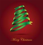 Arbre de Noël vert de ruban sur le fond rouge Photographie stock