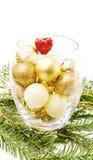 Arbre de pin de Noël et babioles d'or Photos stock