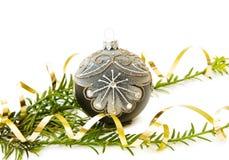 Arbre de pin de Noël et décoration de babiole Images stock
