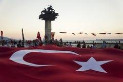Arbre de République et drapeau turc énorme Photo stock