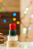 Arbre de ruban de Noël avec le bokeh de lumières Photo libre de droits