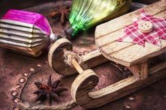 Arbre de sapin de Noël avec la rétro décoration Photos libres de droits