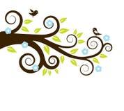 Arbre de source avec des oiseaux Image stock