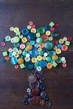 Arbre des boutons colorés Photos stock
