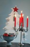 Arbre et bougeoir de Noël Photographie stock