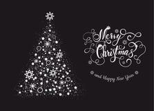 Arbre et boules de carte de Noël avec le lettrage Images stock