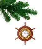 Arbre et horloge de Noël dans la barre en bois Images stock