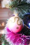 Arbre et jouets de Noël Photos stock