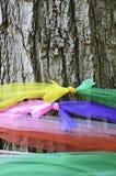 Arbre saint avec le tissu multicolore Image libre de droits