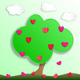 Arbre vert avec le fruit des coeurs d'amour style de coupe de papier Photographie stock libre de droits