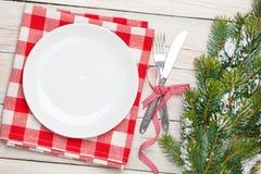 Arbre vide de plat, d'argenterie et de Noël photographie stock libre de droits
