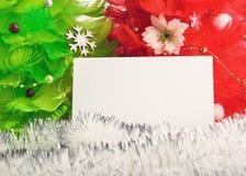 Arbres de Noël avec des cartes de voeux Photo libre de droits