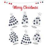 Arbres de Noël, pins avec des boules de Noël Photo libre de droits