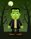 Arbres effrayants de Halloween avec Frankenstein Photographie stock libre de droits