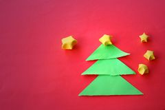 Arbres et étoiles de Noël de papier Image stock