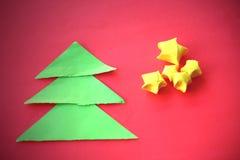 Arbres et étoiles de Noël de papier Photo stock