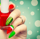 Arbuza lata sztuki stylowy jaskrawy manicure Obrazy Stock