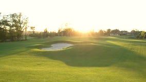 Arcón de la arena en campo del golf metrajes